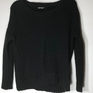 AMERICAN EAGLE Xs black sweater